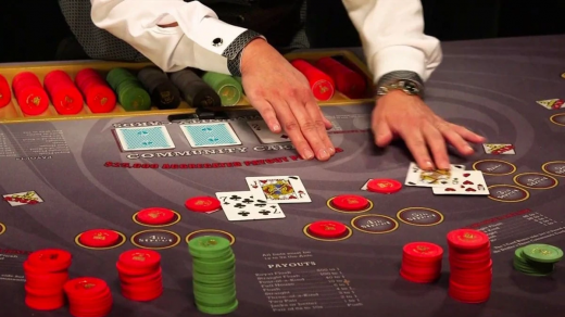 วิธีเล่น Cajun Stud Poker
